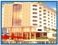 http://hotels.indobase.com/cochin-hotels/images/hotel-gokulamparkinn-cochin.jpg